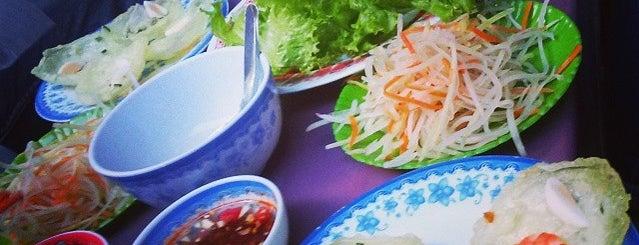 Bánh khọt Nguyễn Huệ is one of vietnam.