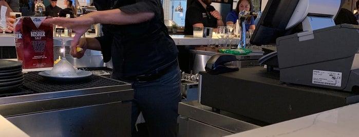 Chroma Modern Bar + Kitchen is one of Lieux sauvegardés par Anthony.