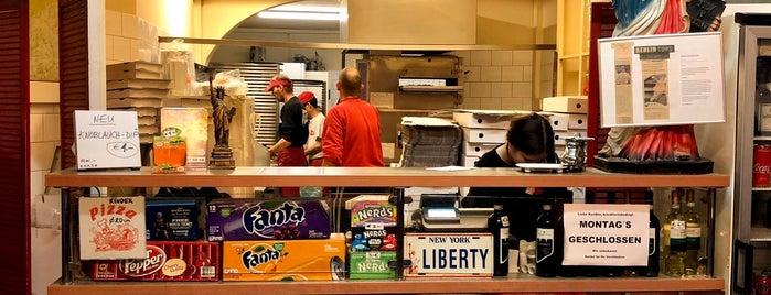 Liberty Pizza is one of Posti che sono piaciuti a Philip.