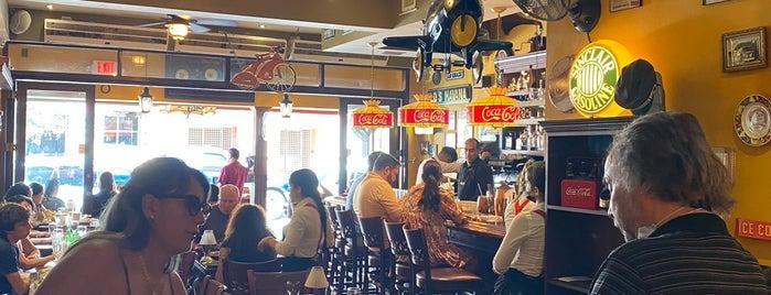 Old's Havana Cuban Bar & Cocina is one of Bienvenidos a Miami.