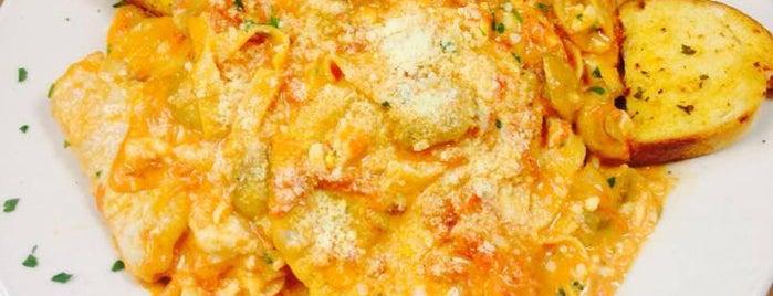 Casa Della Nonna Italian Restaurant is one of Locais curtidos por Charlotte.