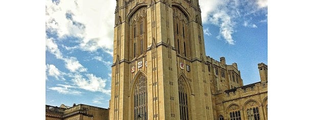 University of Bristol - Wills Memorial Building is one of สถานที่ที่ Vincent ถูกใจ.