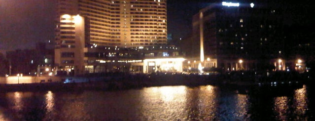 Intercontinental Hotel Semiramis is one of Posti che sono piaciuti a Ahmad.
