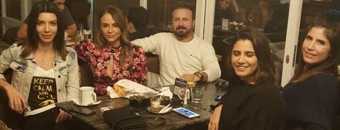 The House Café Suadiye is one of Anıl : понравившиеся места.
