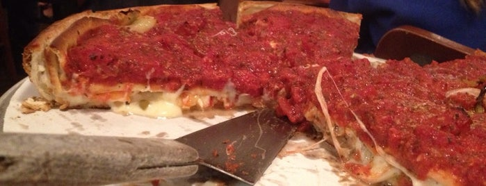 Zachary's Chicago Pizza is one of Cerda's 'cisco..