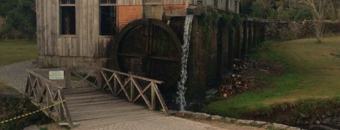 Caminhos de Pedra is one of สถานที่ที่ Laila ถูกใจ.