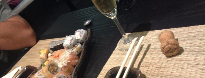 Hai Sushi Lounge Bar is one of Orte, die Laila gefallen.