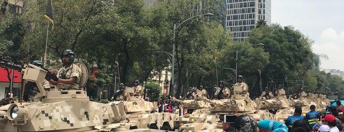 Desfile Militar De La Independencia De México is one of Orte, die Marco gefallen.