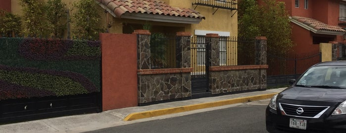 Lion's House is one of สถานที่ที่ Sergio ถูกใจ.
