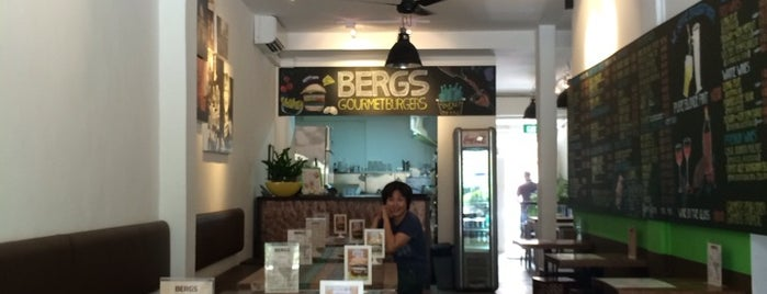 Bergs Gourmet Burgers is one of Lugares favoritos de Paolo.