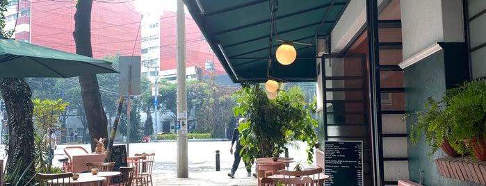 Breakfast Condesa is one of Por probarts CDMX.