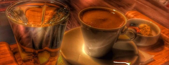 Kahve Temaşa is one of สถานที่ที่บันทึกไว้ของ Emre.