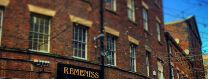Remeniss 90s Bar is one of 103372 님이 좋아한 장소.