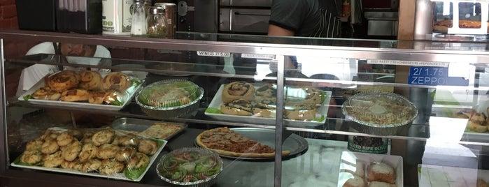 Grand St Pizza is one of Orte, die Erik gefallen.