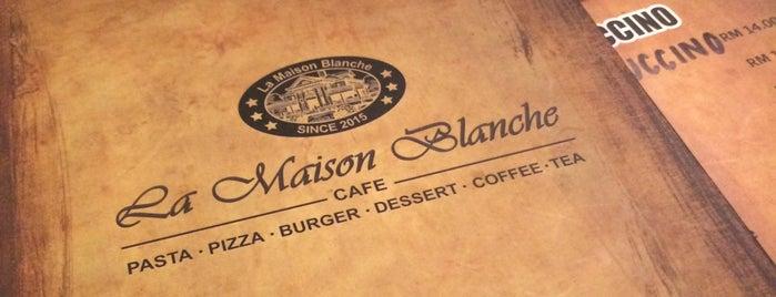La Maison Blanche Cafe is one of Charlie'nin Kaydettiği Mekanlar.