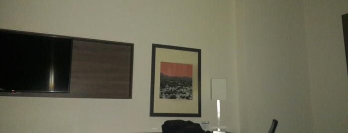 Holiday Inn Express & Suites Cd. Obregon is one of Locais curtidos por Max.