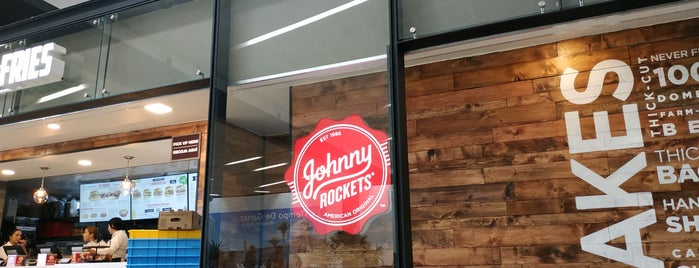 Johnny Rockets is one of Lieux qui ont plu à Ye.