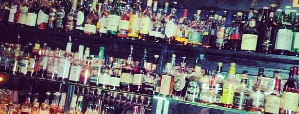 Delilah's is one of Chicago Magazine's 100 Best bars 2013.