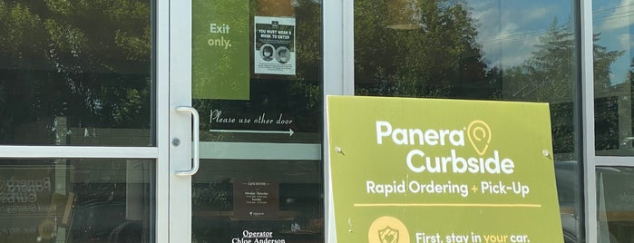 Panera Bread is one of Lieux qui ont plu à Rosana.