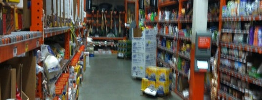 The Home Depot is one of Posti salvati di Mary.