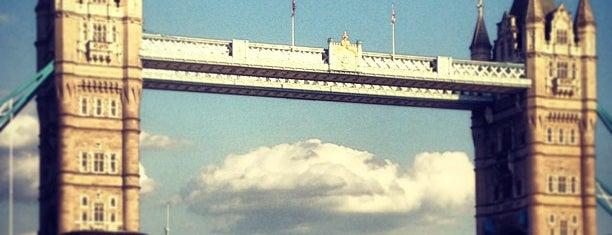 Jembatan Menara is one of London Favorites.