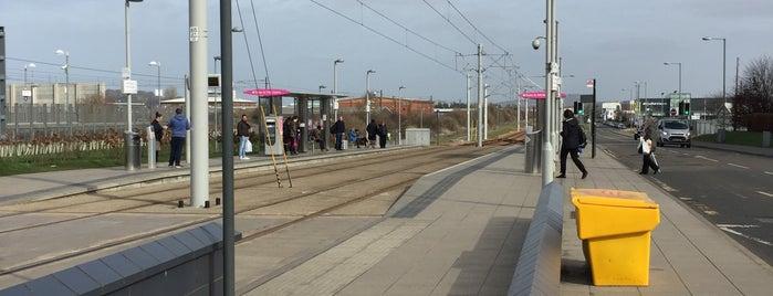 Edinburgh Park Tram Stop is one of Orte, die Gbenga gefallen.