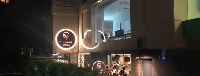Cihangir Yoga Cadde is one of Lugares guardados de Merve.