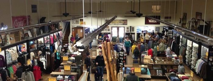Mast General Store is one of Lugares favoritos de Melissa.