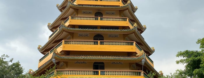 Chùa Giác Lâm (Giac Lam Pagoda) is one of To-do In Vietnam.