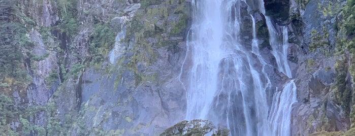 Milford Sound is one of Nuova Zelanda.