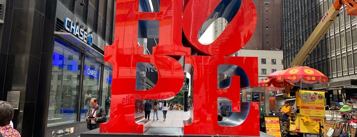 HOPE Sculpture by Robert Indiana is one of Charlesさんのお気に入りスポット.