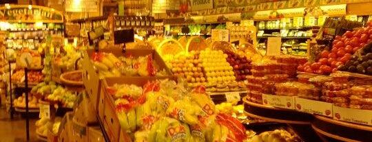 Foodtown Supermarket is one of Big Apple.