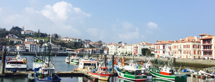 Port de Saint-Jean-de-Luz is one of jordi : понравившиеся места.