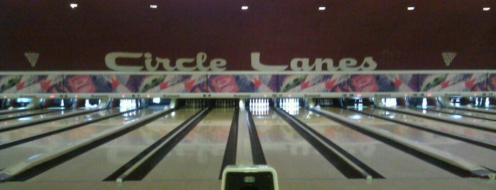 Circle Bowling Lanes is one of Lugares favoritos de Kelly.