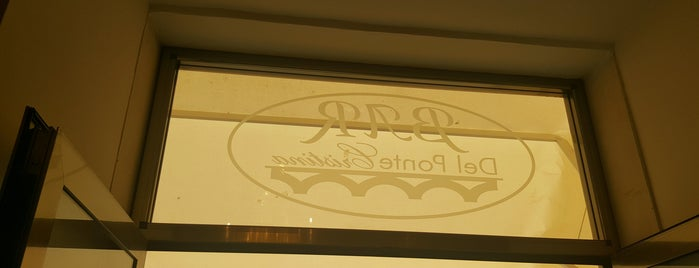 Bar del Ponte Cristina is one of สถานที่ที่ Helena ถูกใจ.