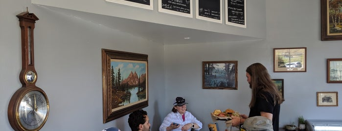 Fiddlehead's Cafe is one of Mendocino.