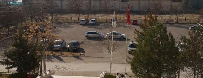 Teknik Bilimler Meslek Yüksekokulu is one of สถานที่ที่ Yalçın ถูกใจ.