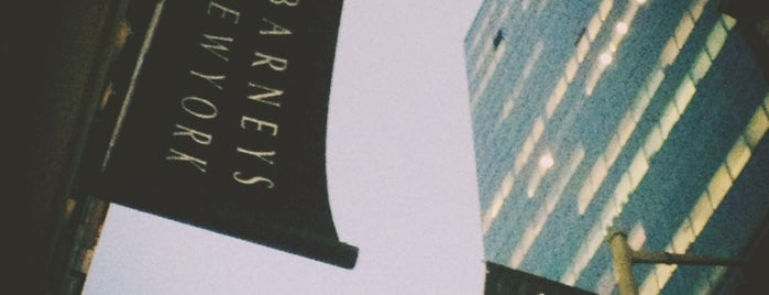 Barneys New York is one of NEW YORK CITY : Manhattan in 10 days! #NYC enjoy.
