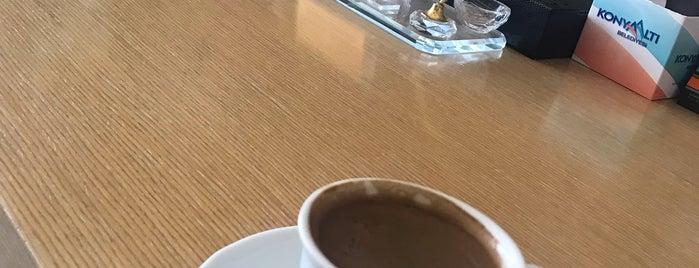 Konyaaltı Belediyesi Başkanlık Makamı is one of Funda : понравившиеся места.