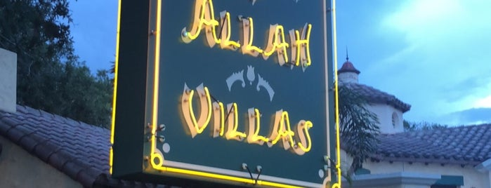 Garden Of Allah Villas is one of Lindsayeさんのお気に入りスポット.