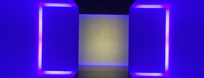 James Turrell: The Light Inside is one of Orte, die Juliana gefallen.