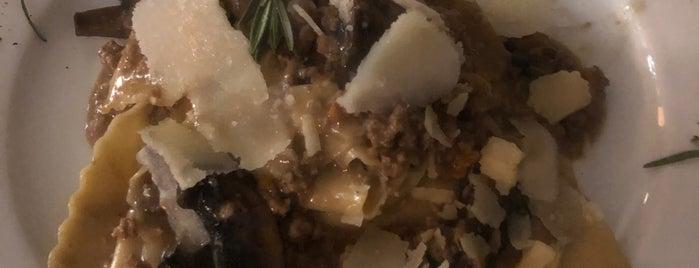 Eureka Cucina Italiana is one of Lieux qui ont plu à juan.
