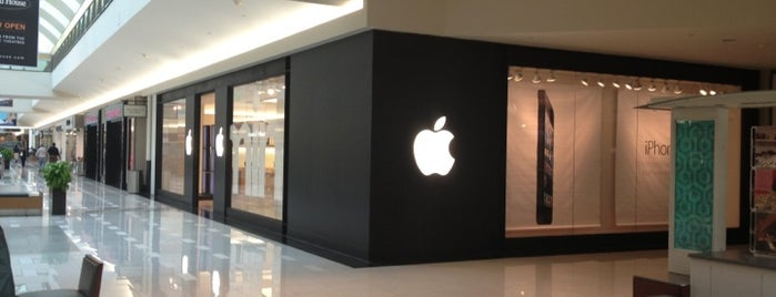 Apple Northridge is one of Apple Stores US West.