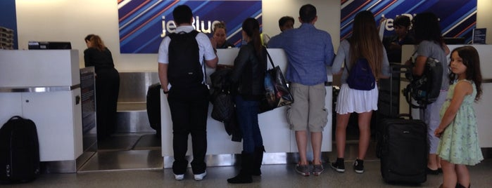 Jetblue Airways is one of Danyel 님이 좋아한 장소.