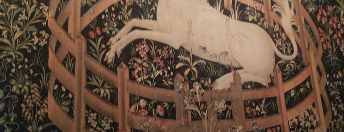 Unicorn Tapestry Room is one of To go.