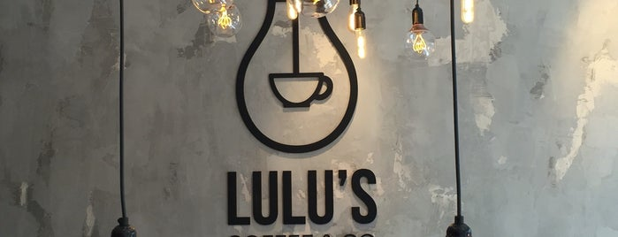Lulu's Coffee & Co. is one of Tempat yang Disukai Shakira.