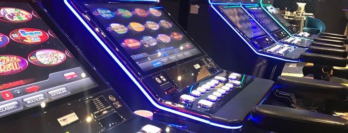 Grand Corona Casino is one of สถานที่ที่ Gökhan ถูกใจ.