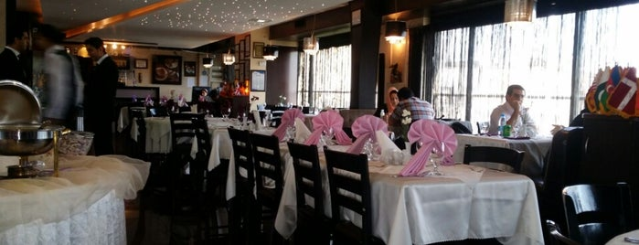 Shanli Restaurant | رستوران شانلی is one of Lieux sauvegardés par Hamed.