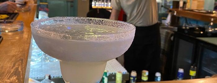 Diva Bar&Restaurant is one of Yasemin Arzu'nun Kaydettiği Mekanlar.