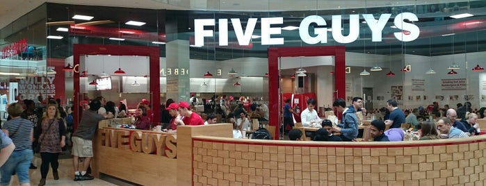 Five Guys is one of Lieux sauvegardés par N..